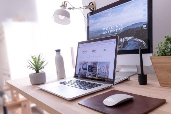Thuiswerken? nu met de Corona is VDE ICT druk bezig met thuiswerkplekken maken. Kan VDE ICT u ook voorzien van een thuiswerkplek?